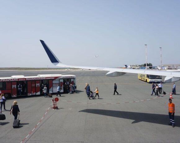 Covid-19: Greek Airports See 59% Slump in March Passenger Traffic