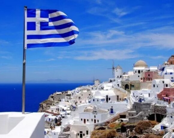 DW: Η απελπισία των Ελλήνων ξενοδόχων