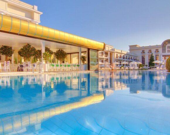 Epirus Palace Hotel Donates Medical Supplies to Ioannina Hospital