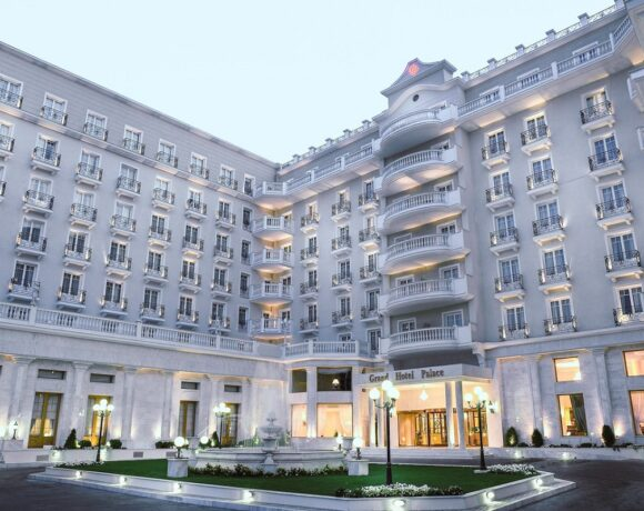 Grand Hotel Palace ThessalonikiDonates ICU Beds to AHEPA Hospital