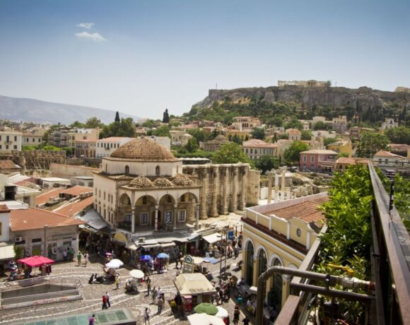 Greek Travel Receipts for February on the Rise Before Covid-19