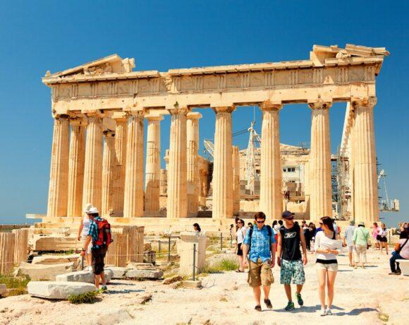 Independent: «Κλειδί» για την «ισοπέδωση» της καμπύλης στην Ελλάδα οι γρήγορες αποφάσεις