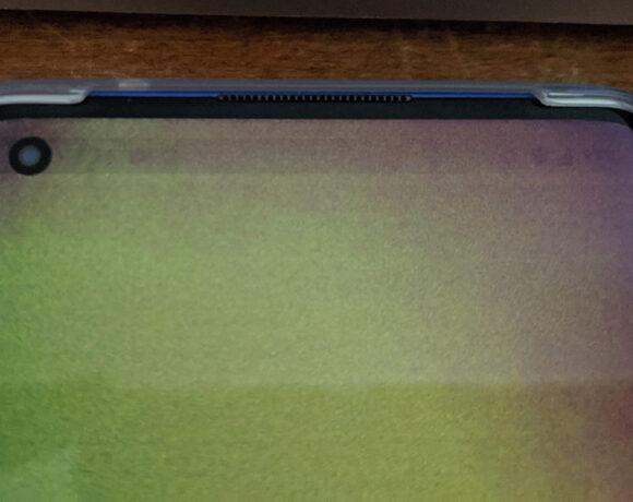 OnePlus 8 Pro: Χρήστες παραπονιούνται για προβλήματα με πράσινες οθόνες