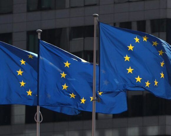 Reuters : Πώς η Ευρώπη υπνοβάτησε προς την πανδημία του κοροναϊού