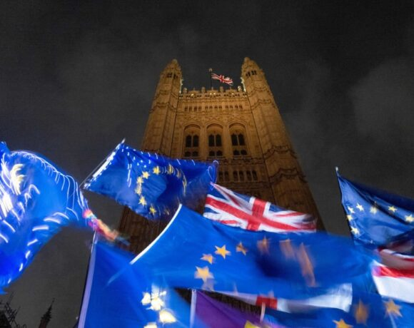 Brexit: Τα αγκάθια στην επίτευξη εμπορικής συμφωνίας ΕΕ – Βρετανίας