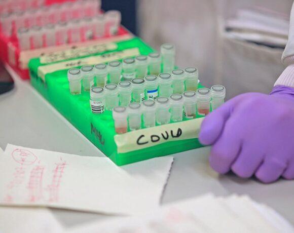Αγώνας ταχύτητας για το εμβόλιο: Πάνω από 100 προγράμματα – 11 ξεκίνησαν κλινικές δοκιμές