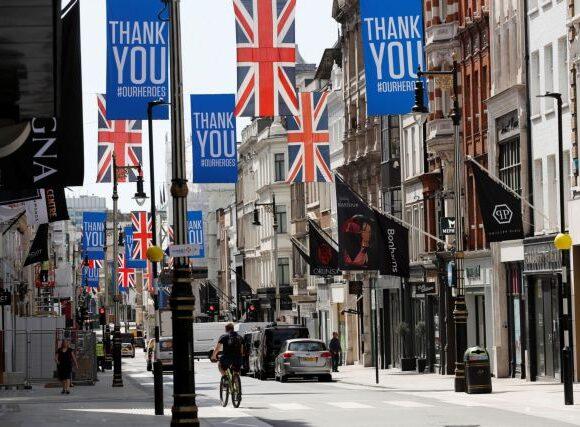 Βρετανία: Μια ακόμη παραίτηση λόγω της διένεξης από την παραβίαση των μέτρων