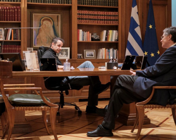 Δημοσκόπηση: Το 75% των πολιτών θεωρεί σωστούς τους χειρισμούς της κυβέρνησης για τον κορωνοϊό