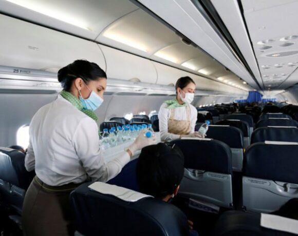 ΕΕ: Οι αεροπορικές δεν θα χρειάζεται να αφήνουν άδειες τις μεσαίες θέσεις