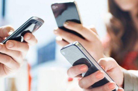 Η Επιτροπή Ανταγωνισμού επιμένει: «Υπαρκτό πρόβλημα οι υψηλές τιμές» στην αγορά κινητής τηλεφωνίας