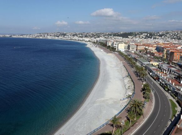 Η Ευρωπαϊκή Επιτροπή σχεδιάζει την επανεκκίνηση του τουρισμού παρά τον κοροναϊό
