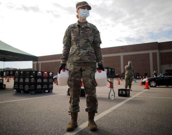 ΗΠΑ : Ο κοροναϊός δυνητικά «αποκλείει» τη θητεία στον αμερικανικό στρατό