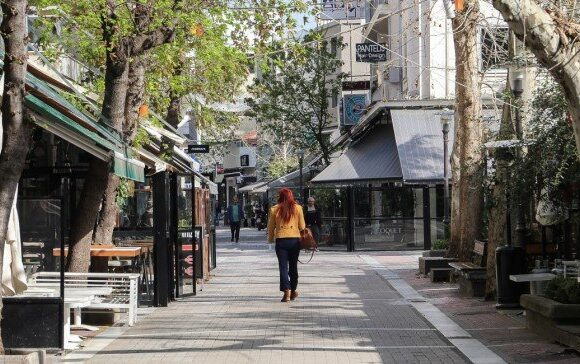 Θεοδωρικάκος: Πρωτοβουλία για αύξηση του εξωτερικού χώρου σε καταστήματα εστίασης