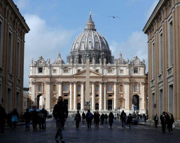 Ιταλία : Σταδιακή επιστροφή στην ομαλότητα με άνοιγμα ναών και εμπορικών καταστημάτων