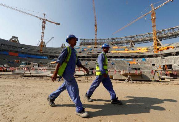 Κατάρ : Μετανάστες εργάτες αναγκάζονται να ζητιανεύουν φαγητό εν μέσω πανδημίας