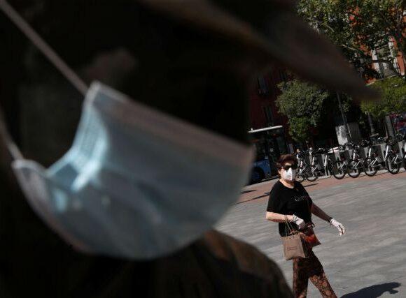 Κοροναϊός : Αίρονται ορισμένα από τα περιοριστικά μέτρα σε Μαδρίτη και Καταλονία
