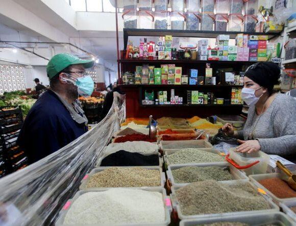 Κοροναϊός : Η Αλγερία κλείνει ξανά τα καταστήματα – Παραβίασαν τα μέτρα υγιεινής