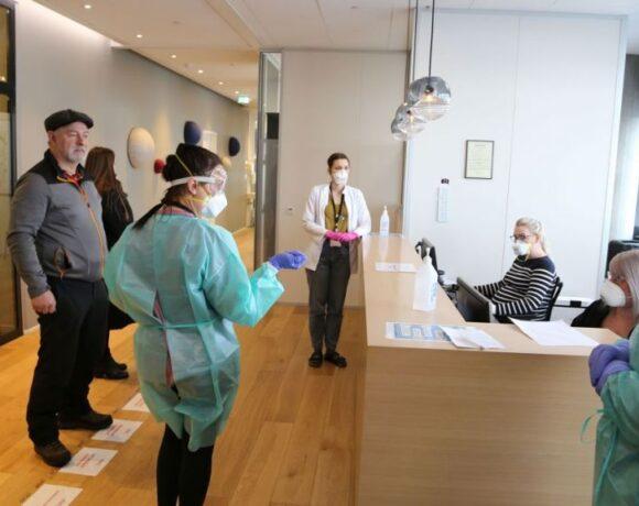 Κοροναϊός : Η Ισλανδία σχεδόν εξάλειψε την επιδημία