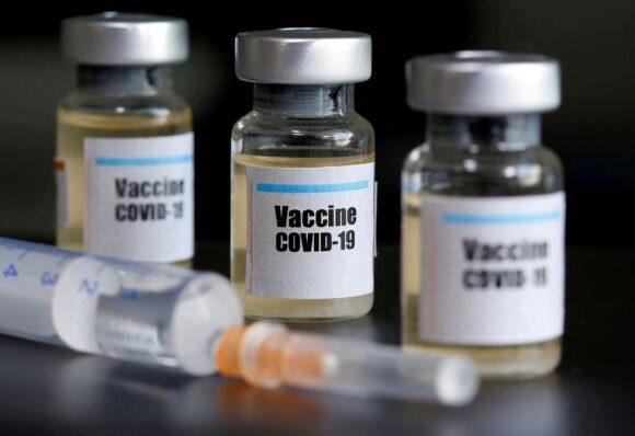 Κοροναϊός : «Μην ελπίζετε σε εμβόλιο άμεσα» προειδοποιεί κορυφαίος επιστήμονας