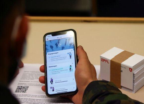 Κοροναϊός : Πώς η πανδημία ανοίγει τον δρόμο για την ηλεκτρονική επιτήρηση των πολιτών
