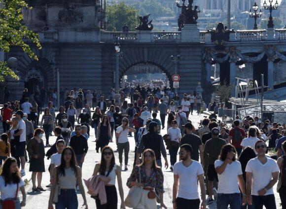 Κοροναϊός : Σε «εθελοντική» καραντίνα θα μπαίνουν οι Γάλλοι που φτάνουν από χώρες εκτός ΕΕ