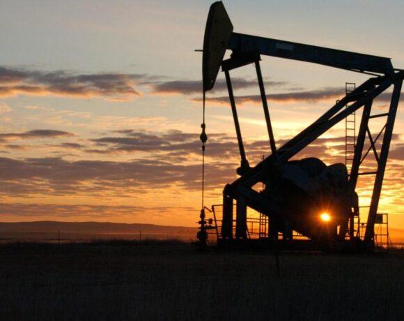 Με άνοδο 5% έκλεισε η τιμή του πετρελαίου