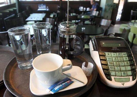 Με μειώσεις ΦΠΑ επανεκκινεί από 1η Ιουνίου η εστίαση