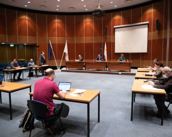 Μείωση στο 5% του ΦΠΑ στον Τουρισμό στην Κύπρο|Πλήθος σημαντικών μέτρων για την Οικονομία|Στην Ελλάδα μειώθηκε ο ΦΠΑ στην γκαζόζα και στον καφέ στο 13%