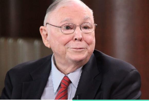 Ο 96χρονος δισεκατομμυριούχος συνεταίρος του Μπάφετ μοιράζεται το μυστικό για ευτυχισμένη ζωή σε 31 μόλις λέξεις
