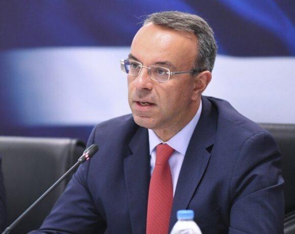 Σταϊκούρας: Ανοικτό το ενδεχόμενο μείωσης φορολογικών συντελεστών το φθινόπωρο