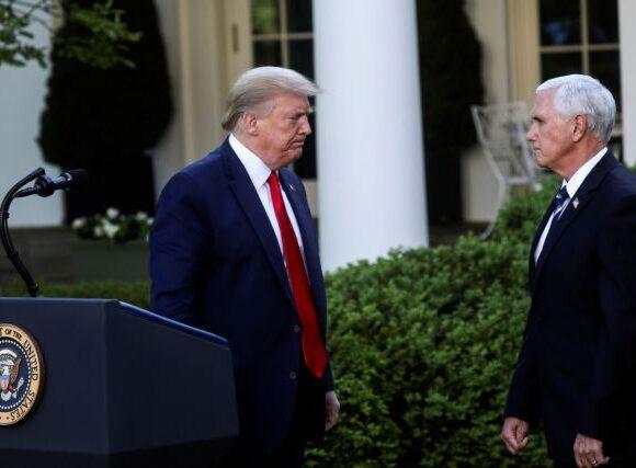 Τραμπ και Πενς κρατούν… αποστάσεις λόγω κοροναϊού