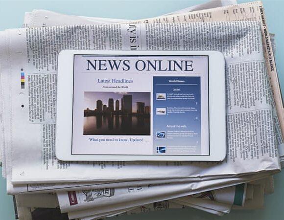 DW: Διαδικτυακή έκρηξη των ΜΜΕ επί κορωνοϊού