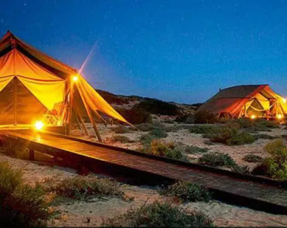 Glamping: Tο «κάμπινγκ πολυτελείας» στο νομοσχέδιο για τον τουρισμό