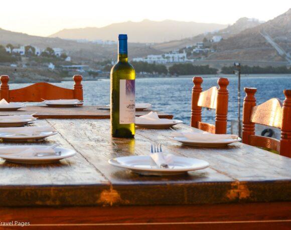 Greek Gov't Focuses on Ways to Reopen Restaurants Outdoors