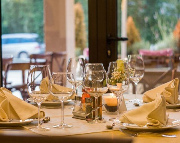 Study: Greeks Not Keen on Eating Out after Covid-19