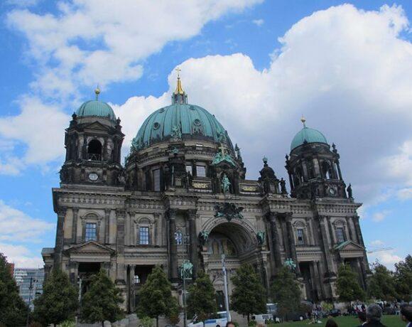 Έρευνα: Έτσι διαμορφώνεται η ταξιδιωτική συμπεριφορά στη Γερμανία|Σταθερά στις 3 κορυφαίες χώρες η Ελλάδα