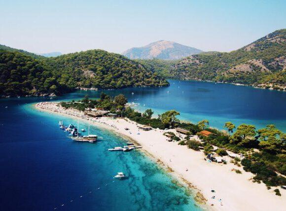 Από την 1η Ιουλίου ανοίγουν όλες οι τουριστικές εγκαταστάσεις στην Τουρκία