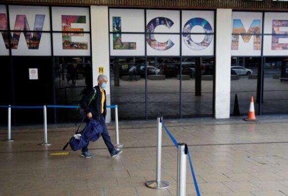 Βρετανία: Έντονες αντιδράσεις για την 14ήμερη καραντίνα σε ταξιδιώτες