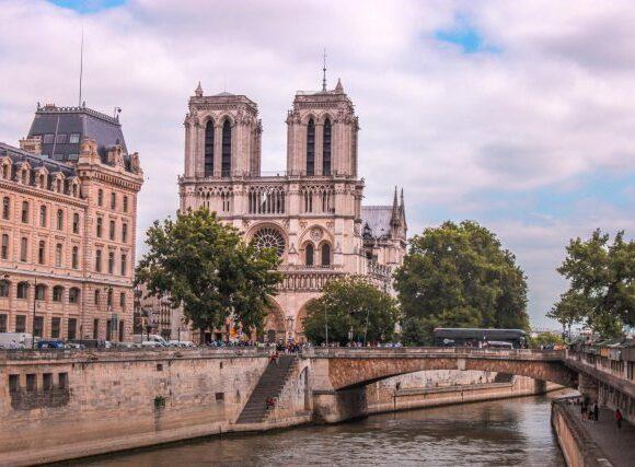 Γαλλία: Επιπρόσθετα μέτρα για τη στήριξη του Τουρισμού και των συναφών επιχειρήσεων