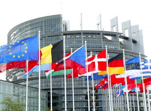 Δύο τα προσχέδια για τις λίστες εισόδου στην Ευρώπη από τα κράτη εκτός ΕΕ   Ρωσία και ΗΠΑ εξαιρούνται