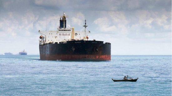 Εγκλωβισμένα 16 τάνκερ με πετρέλαιο Βενεζουέλας, μεταξύ αυτών και ελληνόκτητα