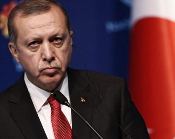 Ερντογάν: Η Τουρκία έχει μείνει πίσω στη μάχη κατά της πανδημίας