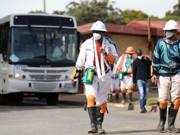 Θλιβερό ρεκόρ κρουσμάτων κοροναϊού στη Νότια Αφρική