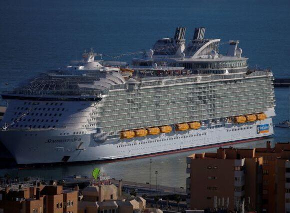 Ισπανία: «Μπλόκο» στα κρουαζιερόπλοια παρά τον άνοιγμα του τουρισμού