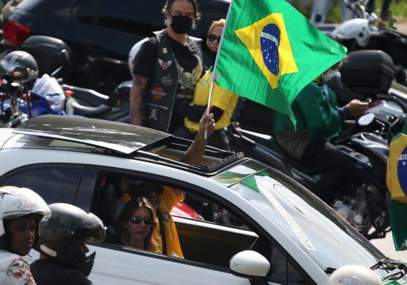 Καλπάζει ο κορωνοϊός στην Βραζιλία – Ο Μπολσονάρου σταματά την ανακοίνωση στοιχείων