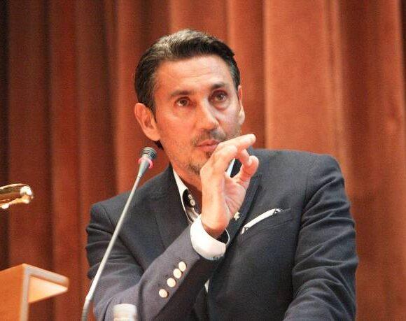 Καταγγελία Κακλαμανάκη στην ΕΦΙΠ για τον αντιπρόεδρο της ΕΙΟ