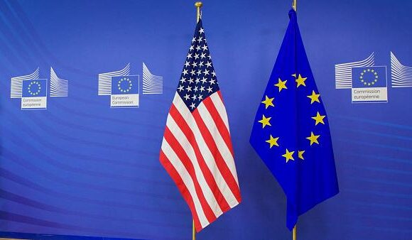 Κομισιόν: Δεν θα επηρεάσουν οι ΗΠΑ τις αποφάσεις ΕΕ για τους ταξιδιώτες