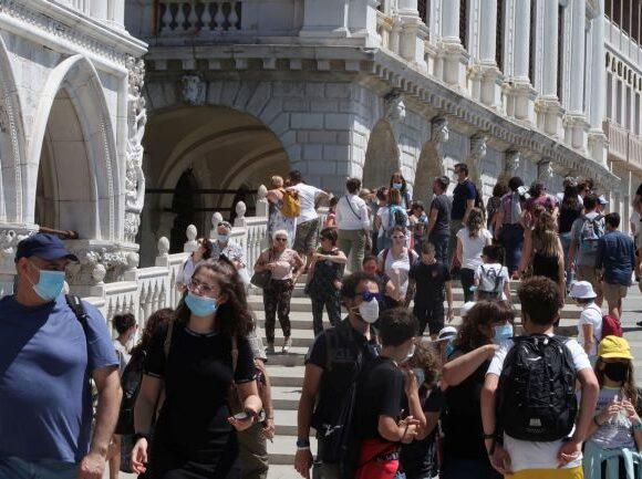Κοροναϊος – Ιταλία : Μείωση κρουσμάτων και ο χαμηλότερος αριθμός θανάτων από αρχές Μαρτίου