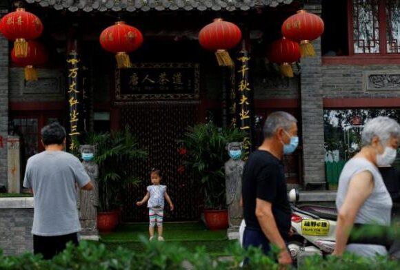 Κοροναϊός: Ο τρόμος επιστρέφει στην Κίνα – Το Πεκίνο επιβάλλει lockdown λόγω έξαρσης κρουσμάτων