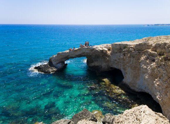 Κύπρος : Άνοιγμα στον τουρισμό με την επαναλειτουργία των αεροδρομίων